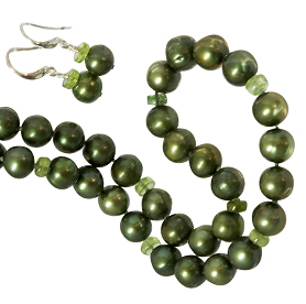 Green Pearl Necklace with Peridot Beads